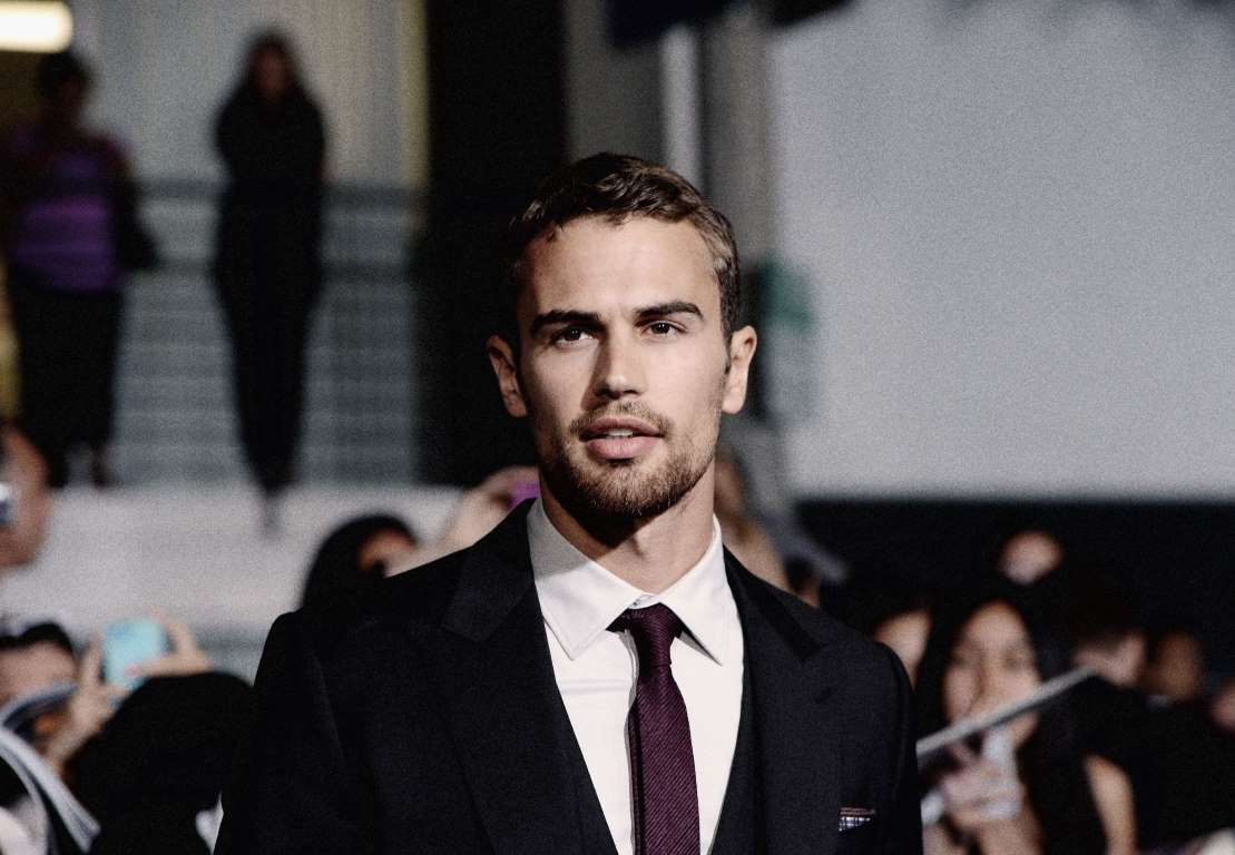 Theo James Photo Gallery